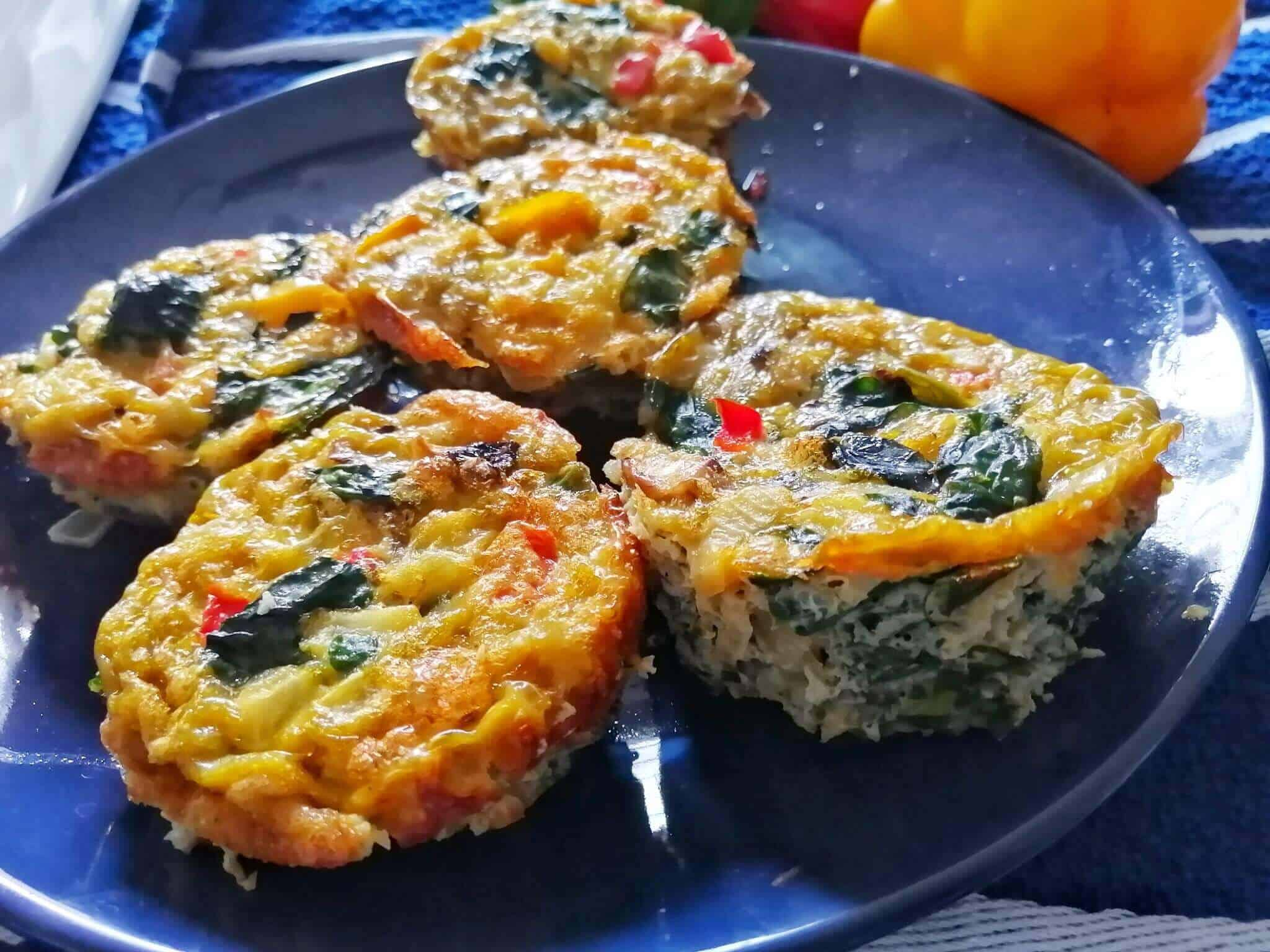 Egg muffins with spinach. breakfast egg muffins cups